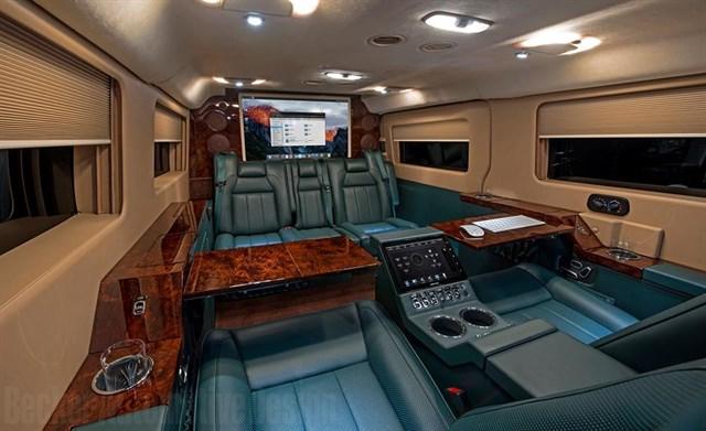 Đi xe Vip Limousine Hoa Mai Vũng Tàu